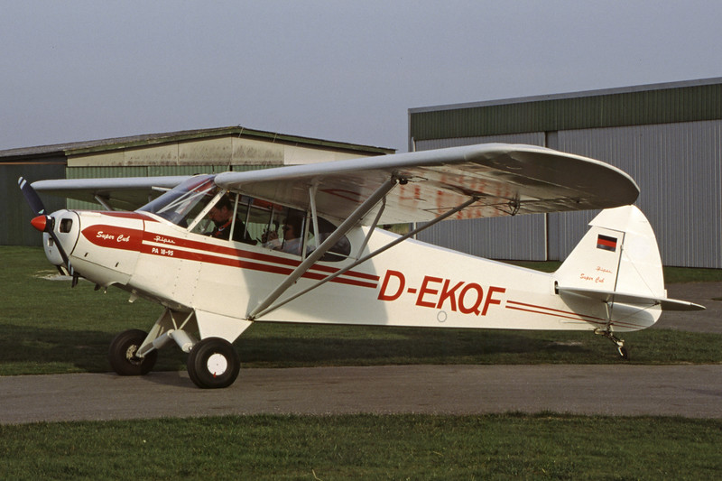D-EKQF-PiperL-18CSuperCub-Private-EKTD-2002-03-29-LF-40-KBVPCollection.jpg