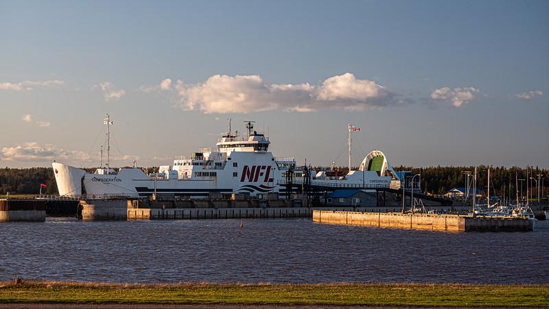 Confederation ferry docked at Wood Islands.jpg