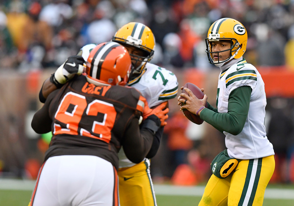 . Green Bay Packers quarterback Brett Hundley (7) looks to throw in the second half of an NFL football game against the Cleveland Browns, Sunday, Dec. 10, 2017, in Cleveland. (AP Photo/David Richard)