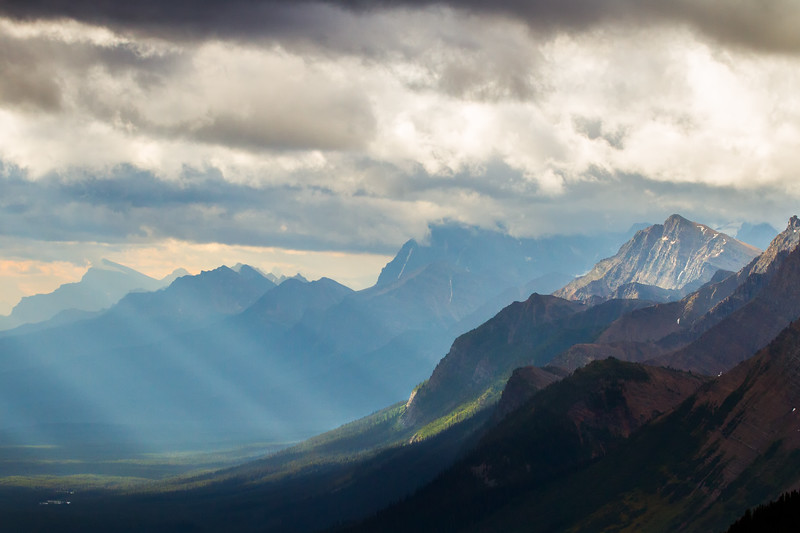 Crowfoot pass - the variable light from storms creates magical lighting conditions with light rays constantly sweeping across peaks and valleys. If you ever have the chance to hike here in the summer, don't pass it up! It's classic Rockies at its best for very little effort.