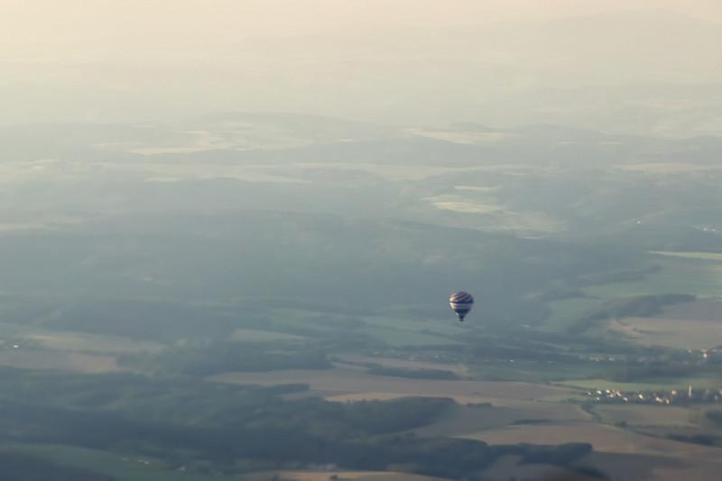 Chtěl jsem nějakou pěknou fotku balónu ze vzduchu, ale bohužel to nevyšlo a tahle je nejlepší, jakou mám k dispozici.