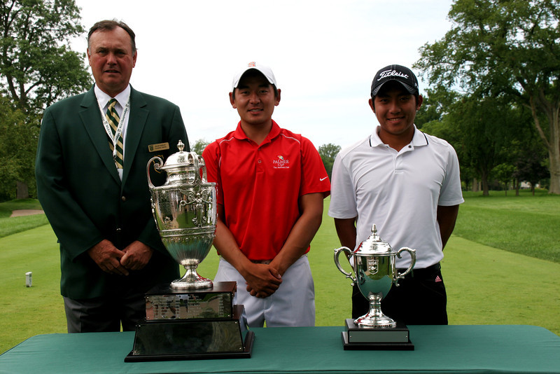 (Left to right) WGA Tournament Chairman Frank Morley with Andrew Yun, 20, of Chandler, Ariz., and Cheng-Tsung Pan, 19, of Miaoli, Taiwan.