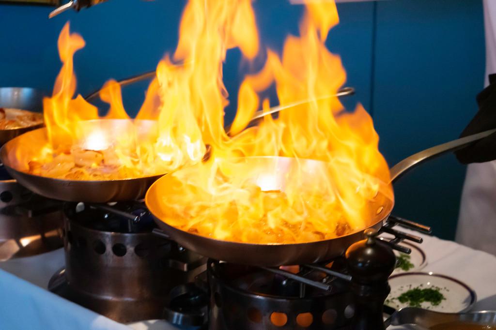 Evening Gourmet Food Tour: Shrimp Flambé with Whisky at Le Continental