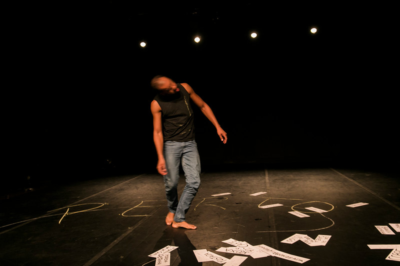 Allan Bravos - Lentes de Impacto - Teatro-728.jpg