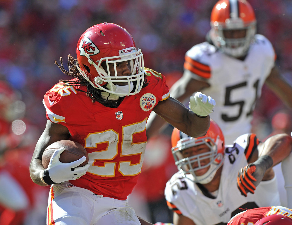 . Running back Jamaal Charles #25 of the Kansas City Chiefs rushes up field against the Cleveland Browns during the second half on October 27, 2013 at Arrowhead Stadium in Kansas City, Missouri. Kansas City won 23-17. (Photo by Peter Aiken/Getty Images)