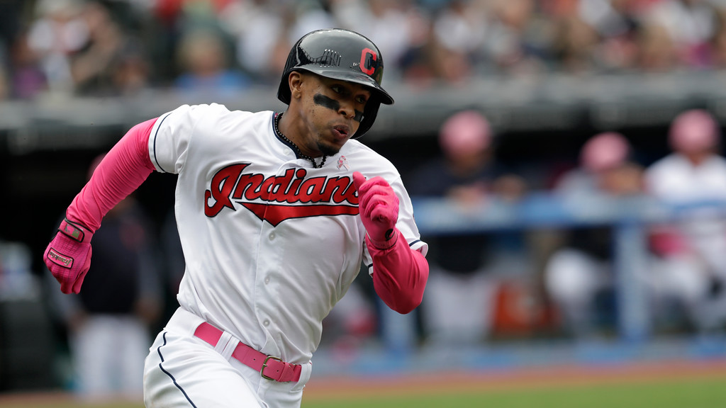 . Cleveland Indians\' Francisco Lindor runs out a double in the fifth inning of a baseball game against the Kansas City Royals, Sunday, May 13, 2018, in Cleveland. (AP Photo/Tony Dejak)