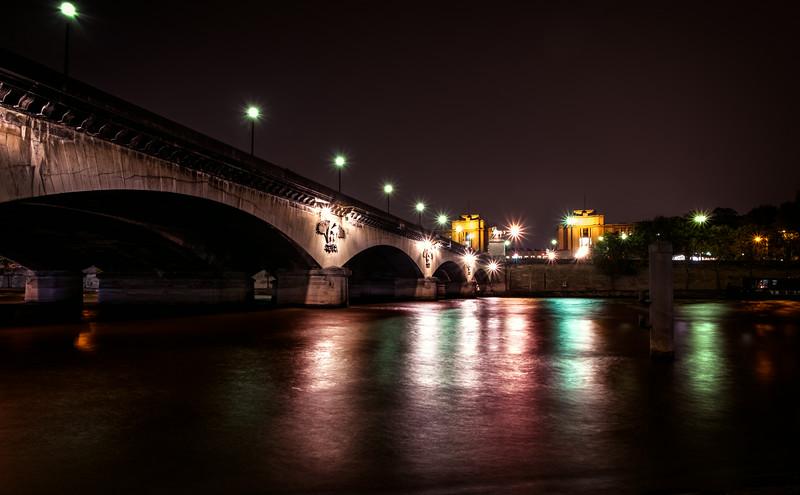 Bridge in Paris F7921_tm.jpg