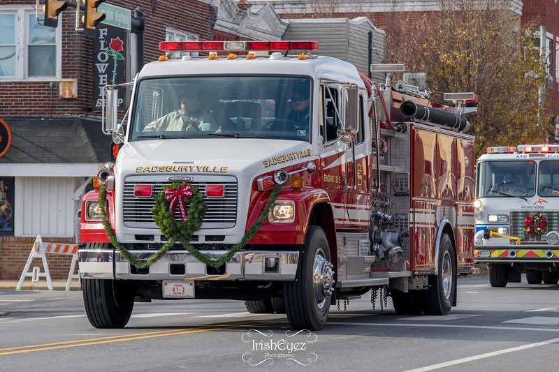 2017-coatesville-christmas-parade_38796130711_o.jpg