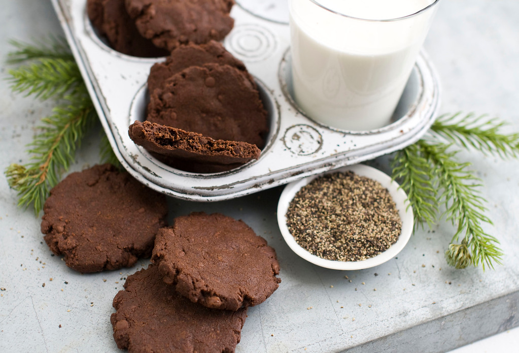 ". <a href=""https://www.yahoo.com/news/chocolate-black-pepper-sable-french-shortbread-132230716.html?ref=gs\"">Get the recipe for chocolate black pepper sable cookies</a>. (AP Photo/Matthew Mead)"