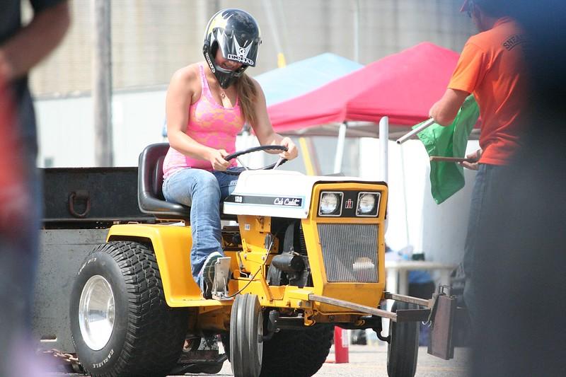 St. Paul Park tractor pull 2013 017.JPG