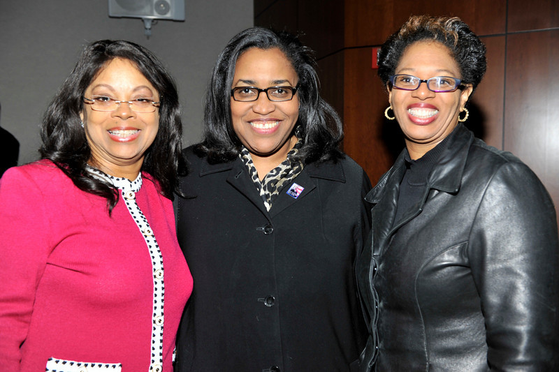 FORD MOTOR COMPANY SPONSORS 5TH ANNUAL NAACP IMAGE AWARDS HOLLYWOOD SYMPOSIUM HELD AT THE ACADEMY OF TELEVISION ARTS & SCIENCES AT THE GOLDENSON THEATRE IN NORTH HOLLYWOOD CALIFORNIA ON FEBRUARY 9, 2009WACHOVIA GIGI DIXON