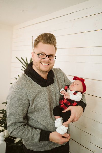 Schmidt Christmas Mini Session 2018-35.jpg