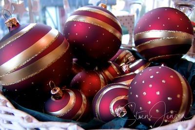 Christmas; Jul;