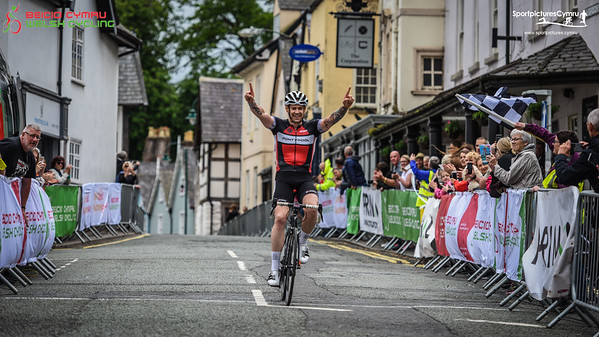 Welsh Cycling Road Race Championships - Finish Pictures Women and V Men
