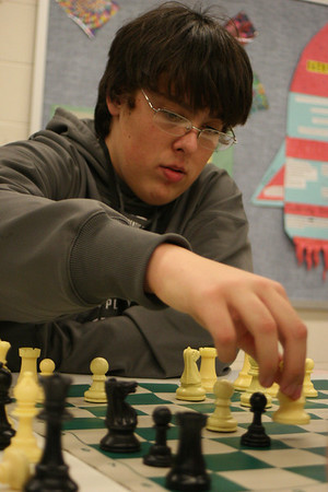 Chess team prepares for IHSA state