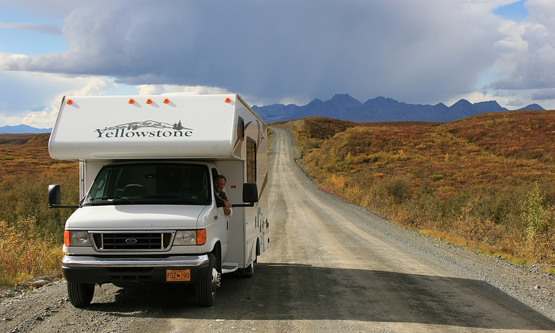 Ons huis op wielen, Denali Highway, Alaska.