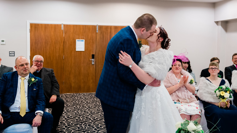 Jake & Jade-Wedding-By-Oliver-Kershaw-Photography-151407-2.jpg