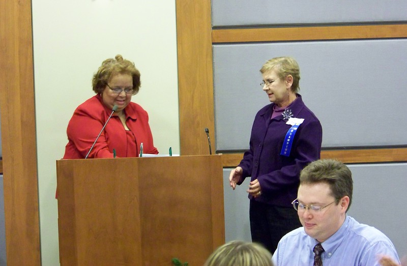 Sandra Crawley presenting Linda Cook with the 2008 Library Champion Award.jpg