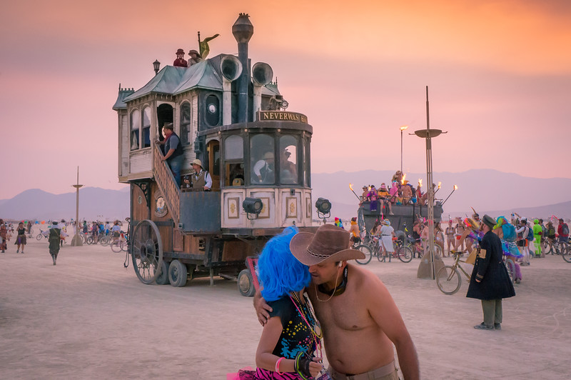 one-hundred-stories-burning-man-2013.jpg