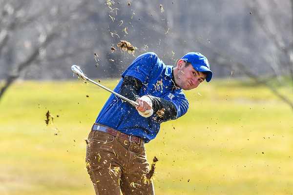4/10/19 4:35:06 PM Hamilton College Men's and Women's Golf Practice at the Skenandoa Golf Club, Clinton, NY<br /> <br /> Photo by Josh McKee