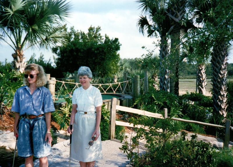 1989_April_Swimming Orlando Pirates Cove _0040_a.jpg