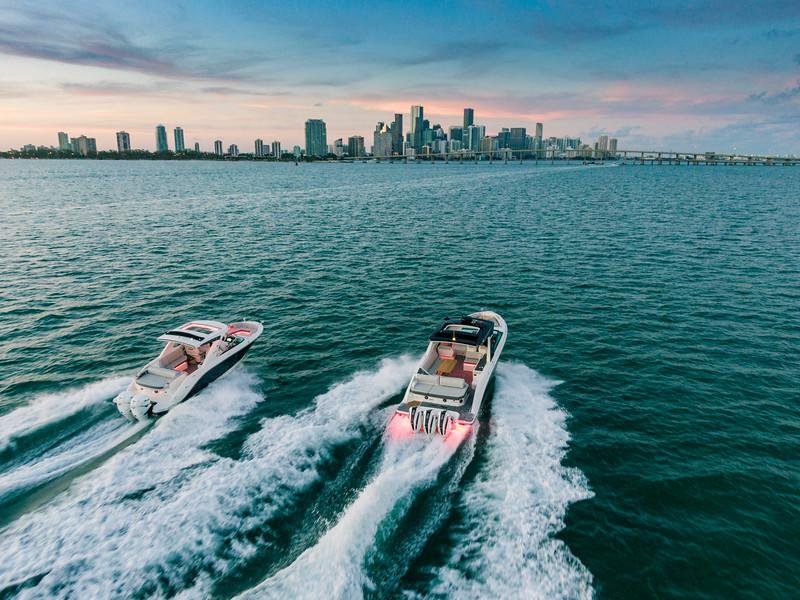 2020-SLX-R-400-e-Outboard-running-3.jpg