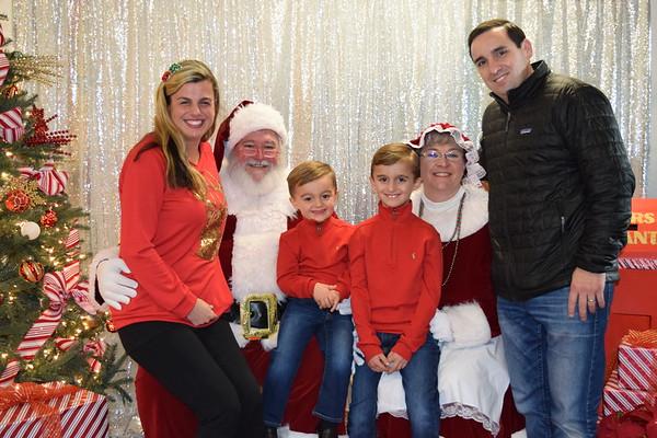 PS207  Photos with Santa