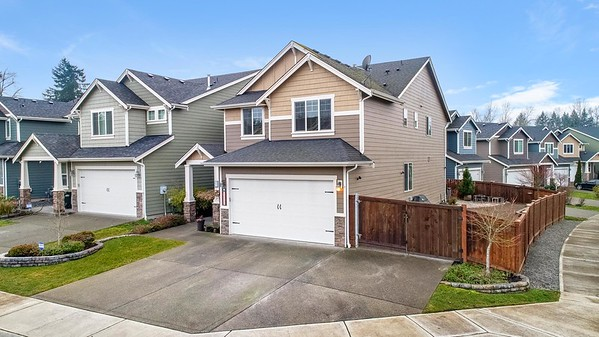 16402 80th Ave E, Puyallup