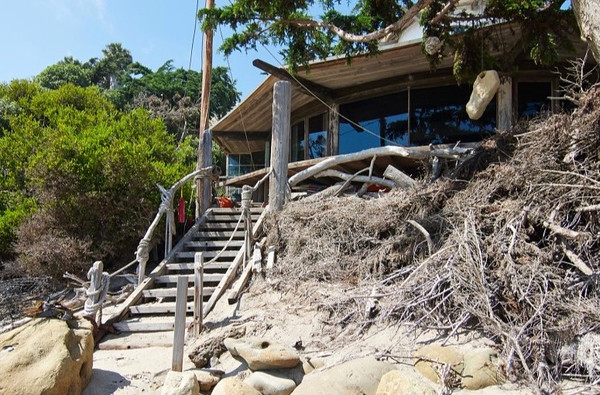 Beach-06i_017-875x581.jpg