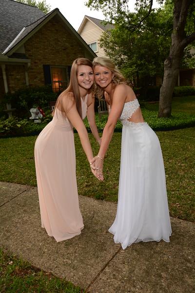 2016: Pre-Prom Photos - Alexa and Madeleine
