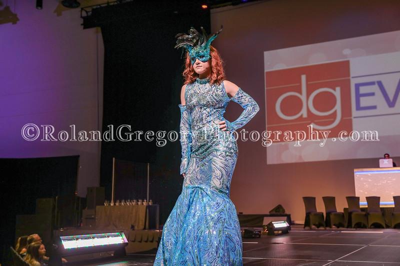 100 Womens Fashion show2019-3426.jpg