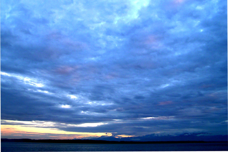 050709-011 (Sunset, Useless Bay, Whidbey Is, WA).JPG