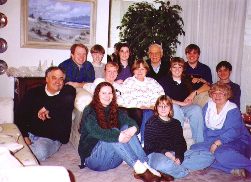 Wayne & Bonnie with Mikes Family .jpg