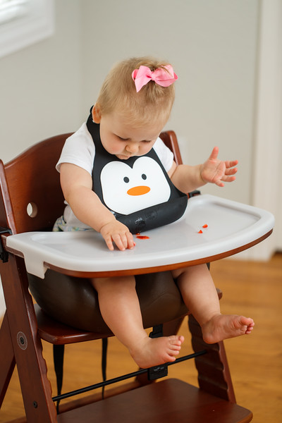 Make_My_Day_Bib_Penguin_lifestyle (70).JPG