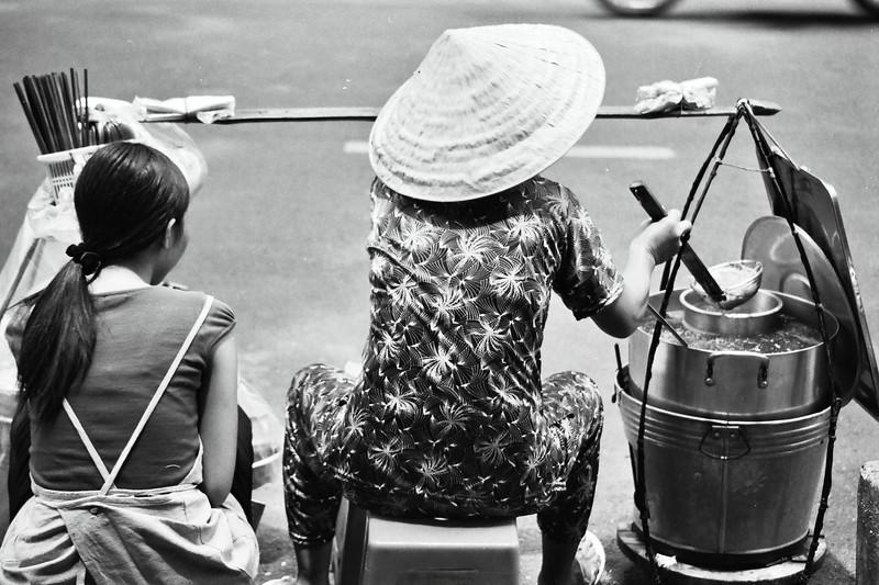 Ho Chi Minh City, July, street hawker, 2003.jpg