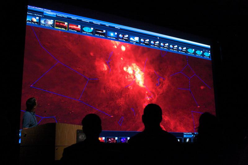 world-wide-telescope-calit2.jpg