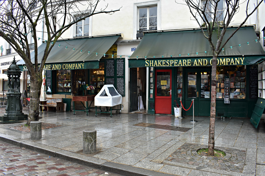 Shakespeare & Company Bookstore in Paris, France