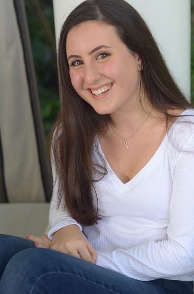 Julia Friend Group Pics - 233 of 308.jpg
