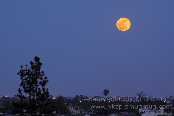 """Supermoon"" - Full Moon Rising, 5/5/12"