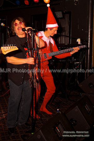 45 RPM Photos at Nutty Irishman Bay Shore 12.20.13