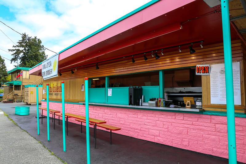 Un Bien Caribbean restaurant in Seattle