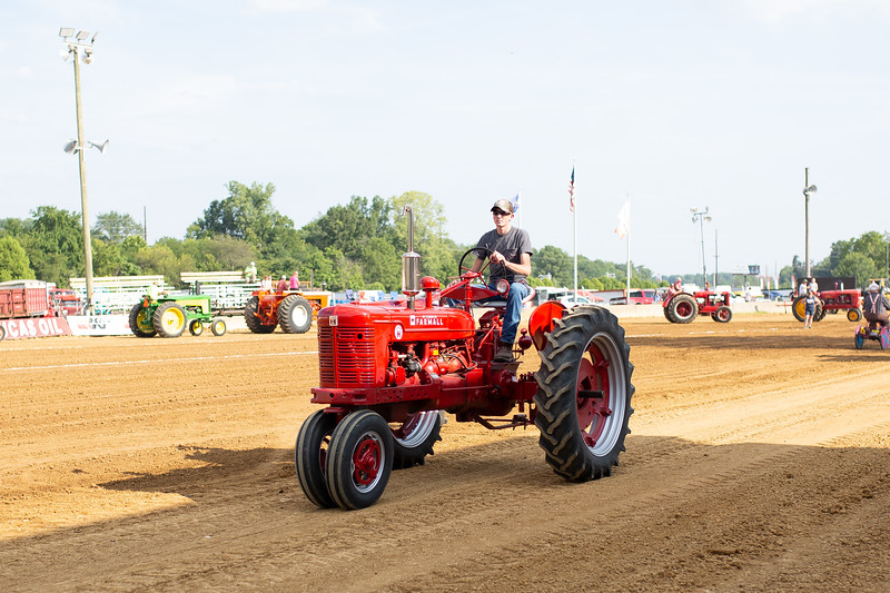 Antique Tractor Parade-11.jpg