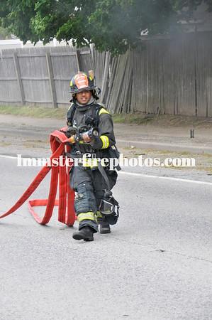 HICKSVILLE FD NEWBRIDGE RD CAR FIRE