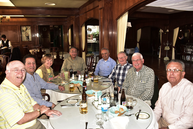 BOL_3379-Rotarians at lunch.jpg