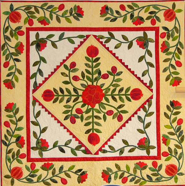 Pomegranates and Posies Quilt