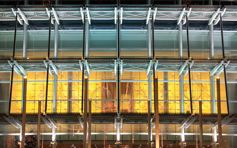 Glass & Steel: IFC 2 in Hong Kong