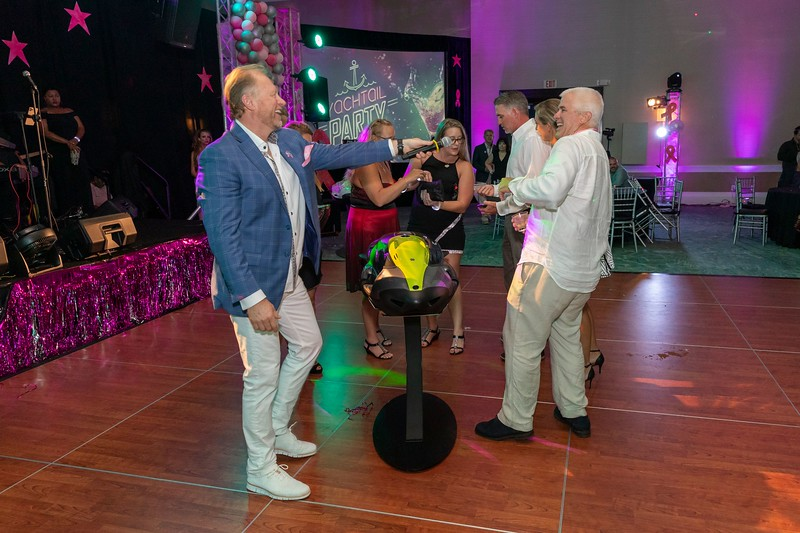 2019_11_Yachtail_Party_00705.jpg