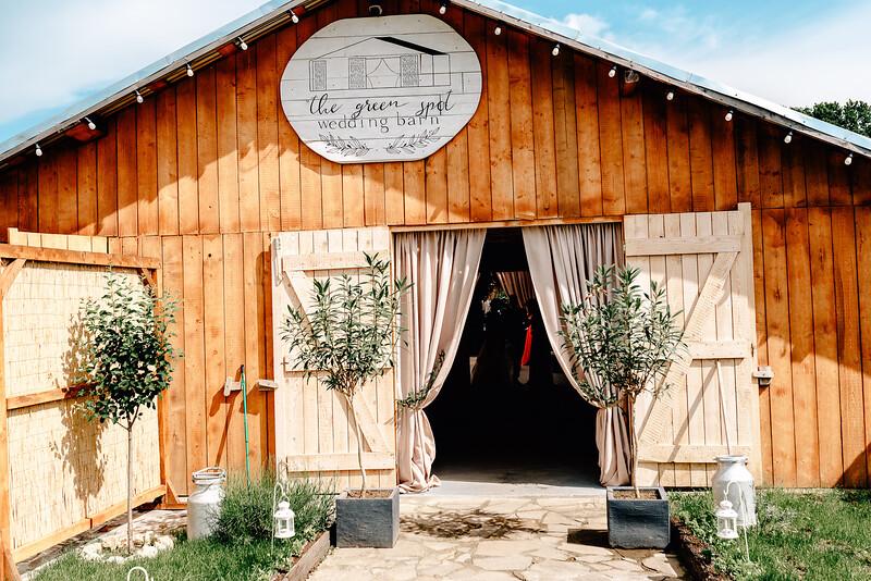 Nunta Green Spot Wedding Barn -52.jpg