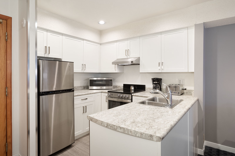 L125 Kitchen.jpg