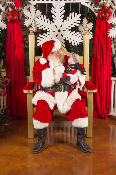 Santa 12-16-17-42.jpg